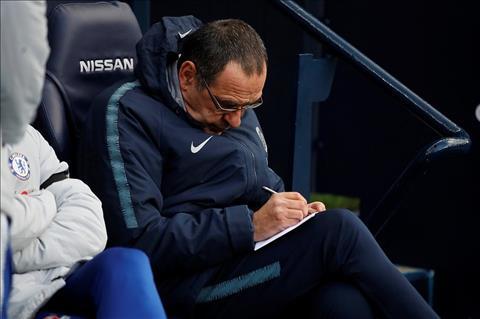 Jamie Carragher chỉ trích HLV Sarri sau thất bại trước Man City hình ảnh