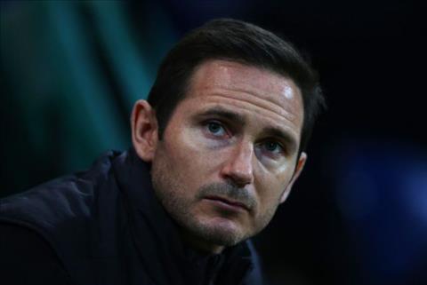 Frank Lampard khong hao hung voi viec dan dat Chelsea