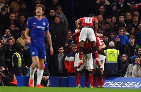 M.U danh bai Chelsea tai cup FA: Quy do hoi sinh? Khong he!