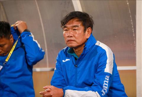 HLV Than Quảng Ninh trách móc các trọng tài sau trận thua HAGL hình ảnh