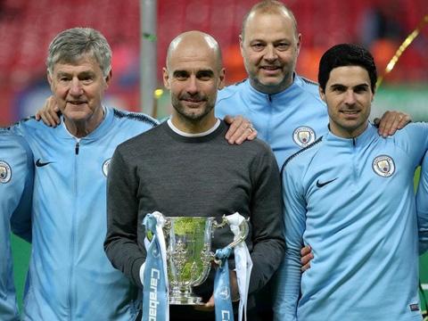 Man City bảo vệ ngôi vương ở League Cup, HLV Guardiola vẫn chán hình ảnh