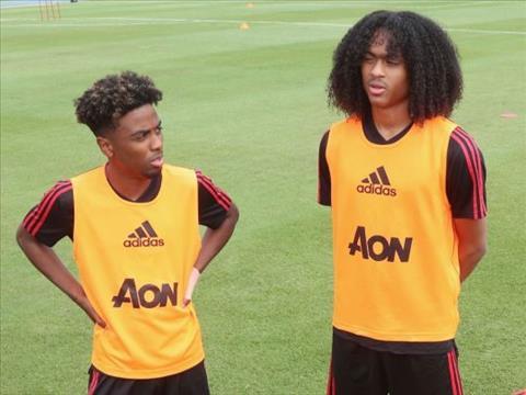 Ashley Young PSG chớ nên coi thường các cầu thủ trẻ của MU hình ảnh