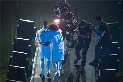 Doi ban than Ronaldo - Marcelo lai sap co dip thi dau chung trong mot mau ao