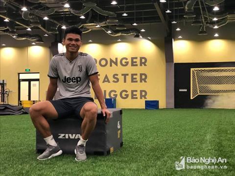 Hậu vệ Phạm Xuân Mạnh nỗ lực tập luyện, hẹn ngày trở lại V-League hình ảnh