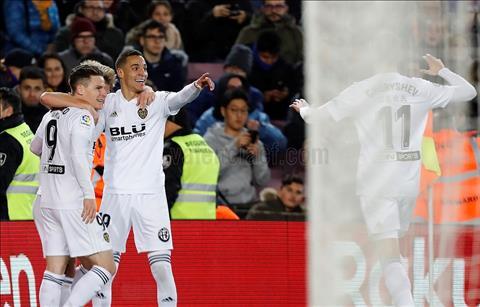 Barca thoát thua Valencia Réo tên Messi trong điên dại… hình ảnh 2