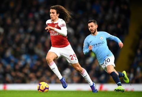 Arsenal thảm bại trước City, Neville vẫn khen sao trẻ Guendouzi hình ảnh