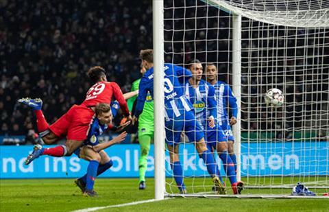 Video bàn thắng Hertha Berlin vs Bayern Munich 2-3 Cúp quốc gia hình ảnh
