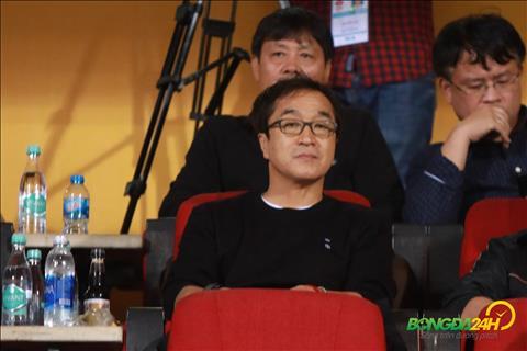 VFF tái ký hợp đồng với trợ lý Lee Young Jin hình ảnh