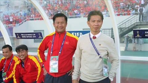 Ong Dinh Hong Vinh (trai) la tro ly moi cua HLV Park Hang Seo.