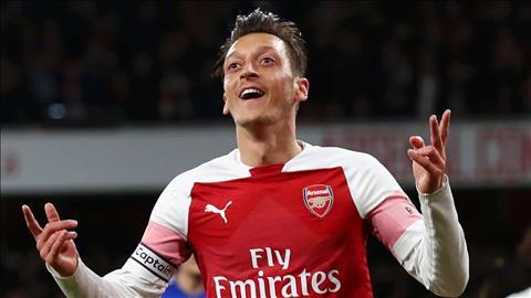 Petit cho rang Ozil la vu khi giup Arsenal ha Tottenham