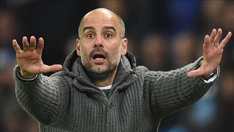 Pep Guardiola muon ap dung VAR o Premier League.