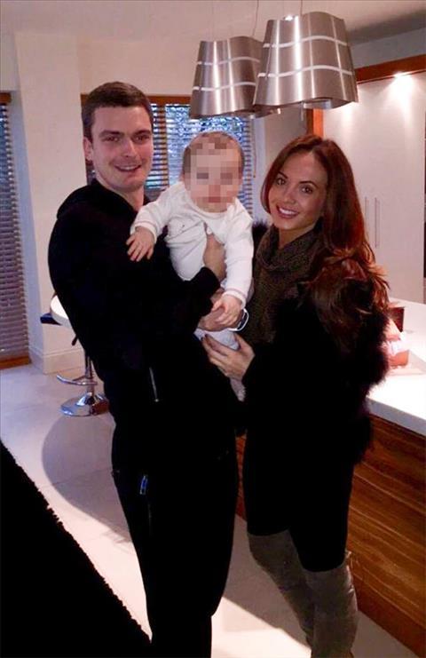 Adam Johnson cung Stacey va con gai Ayla. Anh: Instagram.