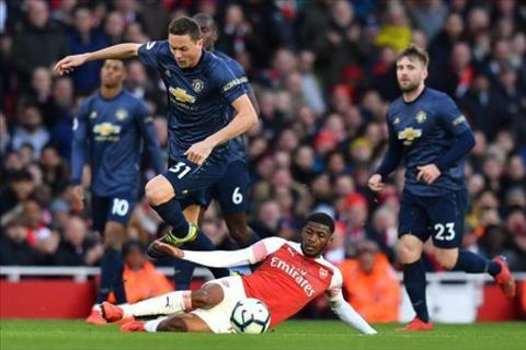 Jamie Carragher nói về trận Arsenal vs MU hình ảnh