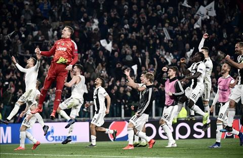 Juventus lot vao tu ket Champions League
