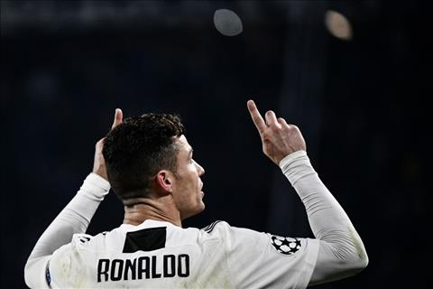 Bonucci khen ngoi Ronaldo
