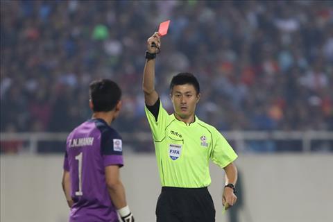 Trọng tài Fu Ming ác mộng của tuyển Việt Nam bị tố đạo văn hình ảnh