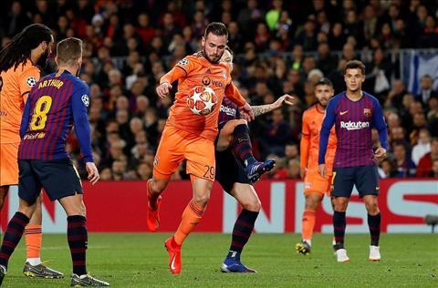 Lionel Messi trận Barca 5-1 Lyon Hãy dành lời cảm ơn cho Ronaldo hình ảnh