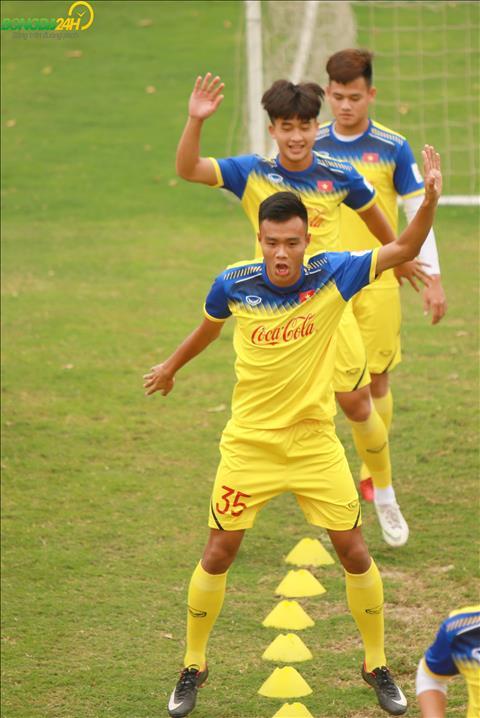 HLV the luc Park Sung Guyn tiep tuc dua den nhung bai khoi dong thu vi cho DT U23 Viet Nam.