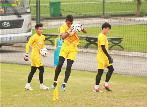 Chieu 15/3, DT U23 Viet Nam tiep tuc tap luyen vao luc 17h00. Truoc do, bac si cua doi tuyen se chia se ve tinh hinh suc khoe cac cau thu.