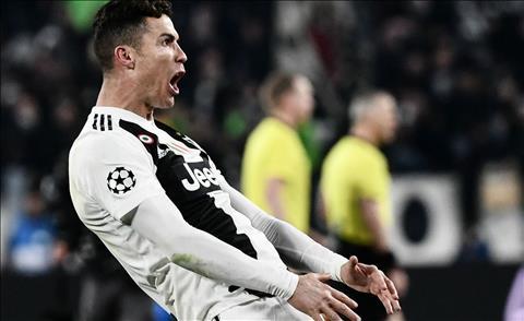 Ronaldo được vinh danh sau khi giúp Juve vào tứ kết Champions Lea hình ảnh