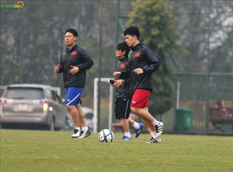 Dinh Trong tap luyen tro lai lam sang len hy vong ve viec kip hoi phuc de da vong loai U23 chau A 2020.