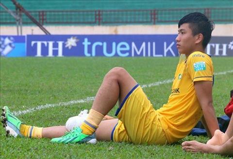 Phan Van Duc gap chan thuong o dau goi phai