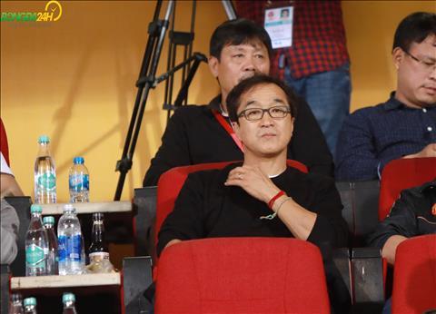 HLV Lee Young Jin gặp Quế Ngọc Hải trận Viettel vs Thanh Hóa hình ảnh