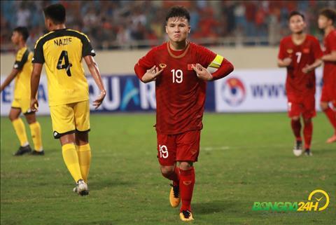 Quang Hai an mung U23 Viet Nam vs U23 Brunei