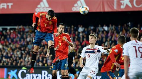 HLV Luis Enrique bảo vệ Morata sau pha bỏ lỡ khó tin hình ảnh