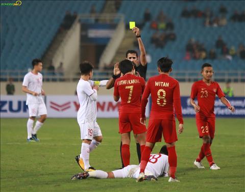 Du U23 Indonesia pham loi nhieu nhung trong tai chinh lai rat han che rut the.