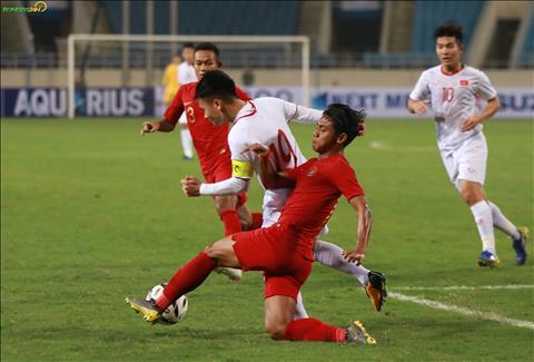 ẢNH U23 Indonesia phạm lỗi với U23 Việt Nam hình ảnh