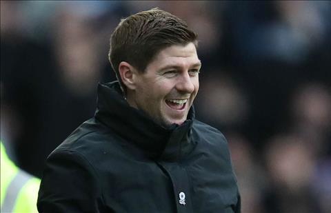 Steven Gerrard có câu trả lời cho Newcastle hình ảnh