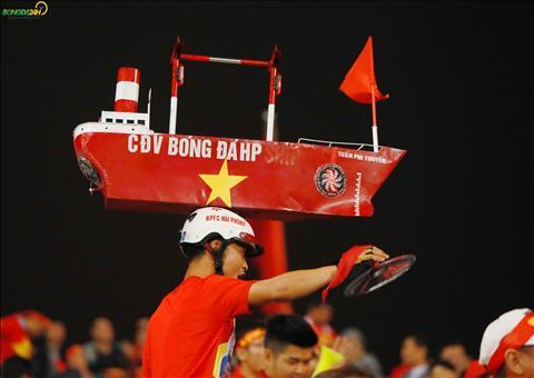 CDV den tu Hai Phong voi chiec mu hinh con tau bien.