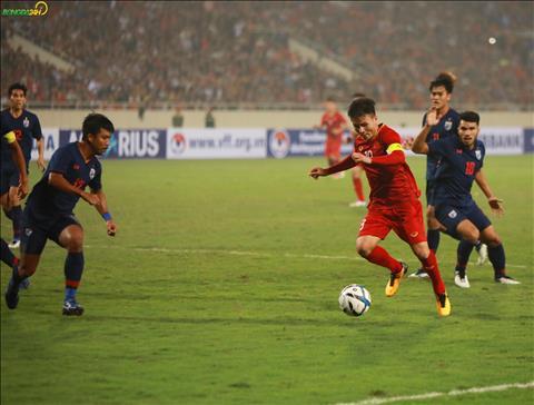 Sau do, Quang Hai co duong chuyen thuan loi de Hoang Duc ghi ban.