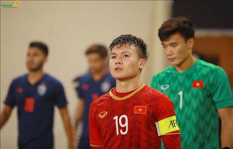 Trong tran gap U23 Thai Lan, Quang Hai tiep tuc ra san voi vai tro doi truong.