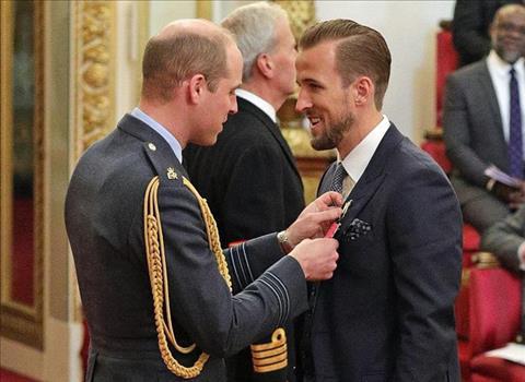 Tiền đạo Harry Kane nhận Huân chương Hoàng gia hình ảnh