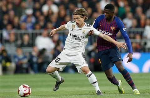 Real vs Barca Modric di bong