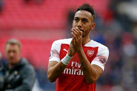 Aubameyang da hut 11m khien Arsenal danh roi chien thang truoc Tottenham