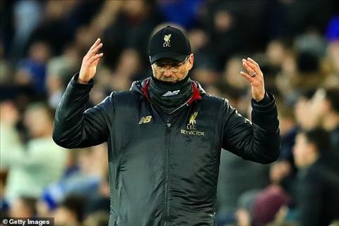 Liverpool mất ngôi đầu bảng Khi cả nước Anh chống lại The Kop hình ảnh 3