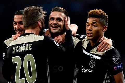 Ajax thang Real 4-1