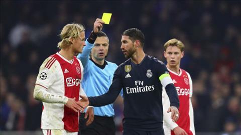 CĐV Real Madrid mắng Sergio Ramos là thằng đần sau thảm bại hình ảnh