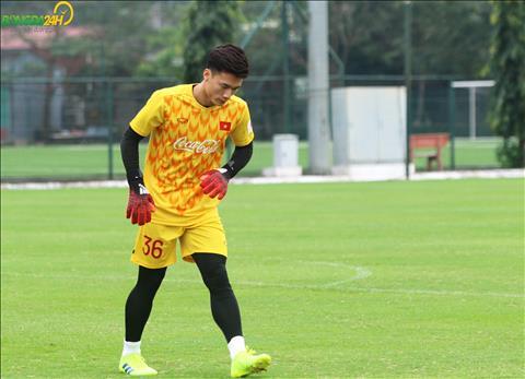 Trong sang 7/3, thu thanh goc Ngoc Lac da tap luyen cung cac thu mon tren tuyen U23 Viet Nam.