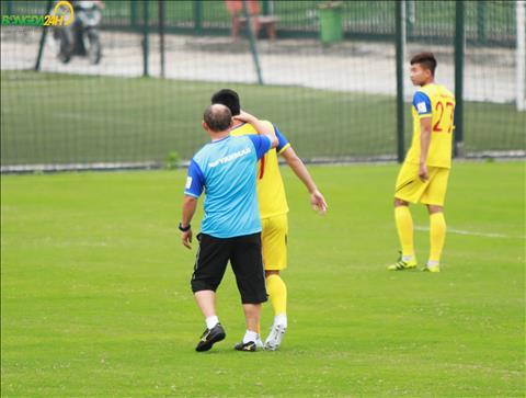 Co le Tien Linh da dinh chan thuong ngoai y muon khien thay Park khong vui.