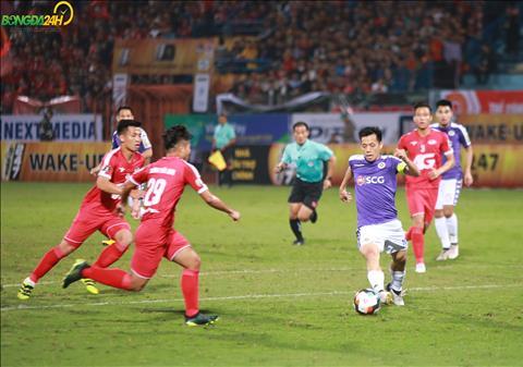 Ben phia Ha Noi FC, thu quan Van Quyet cung da co mot tran dau hay.