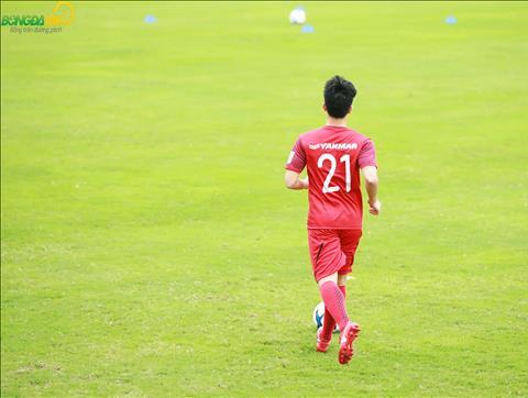 Dinh Trong dieu tri chan thuong ben Han Quoc tu sau AFF Cup 2018 va moi tro ve Viet Nam vao ngay 5/3.