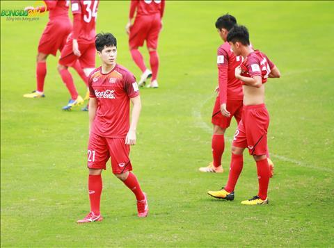 Dinh Trong la mot trong bay cau thu cua Ha Noi FC duoc trieu tap luyen DT U23 Viet Nam dot nay.
