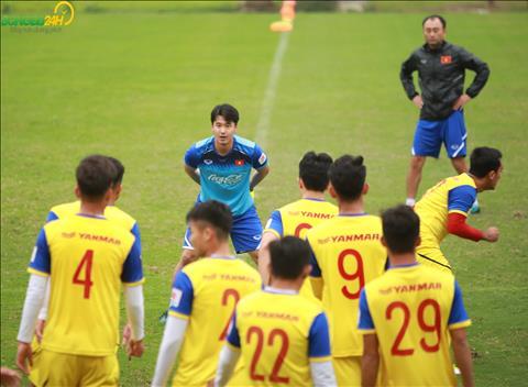 DT U23 Viet Nam chieu 7/3 co bai tap khoi dong kha thu vi.