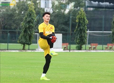 HLV Chu Đình Nghiêm tiết lộ chấn thương của thủ môn Bùi Tiến Dũng hình ảnh