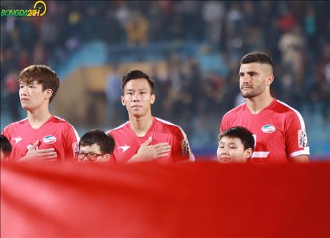 Sau mot tran treo gio vi tam the do trong tran thua SHB Da Nang, Que Ngoc Hai tro lai trong tran cau dinh giua Viettel vs Ha Noi o vong 3 V-League 2019.