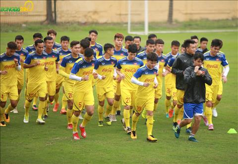 Trong chieu 8/3, cac cau thu U23 Viet Nam tiep tuc duy tri nhung bai tap the luc voi giao an cua HLV Park Sung Guyn.